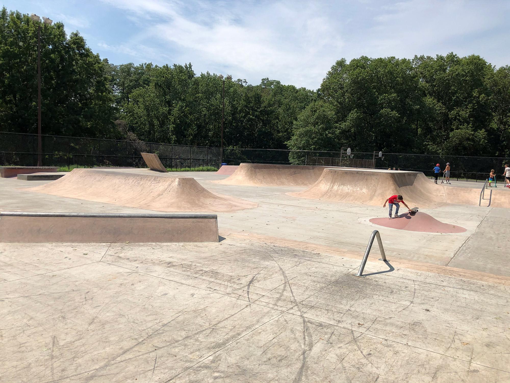 http://norcalmotorsports.org/users/bryan/Bikes/WoodbridgeSkatepark.jpg